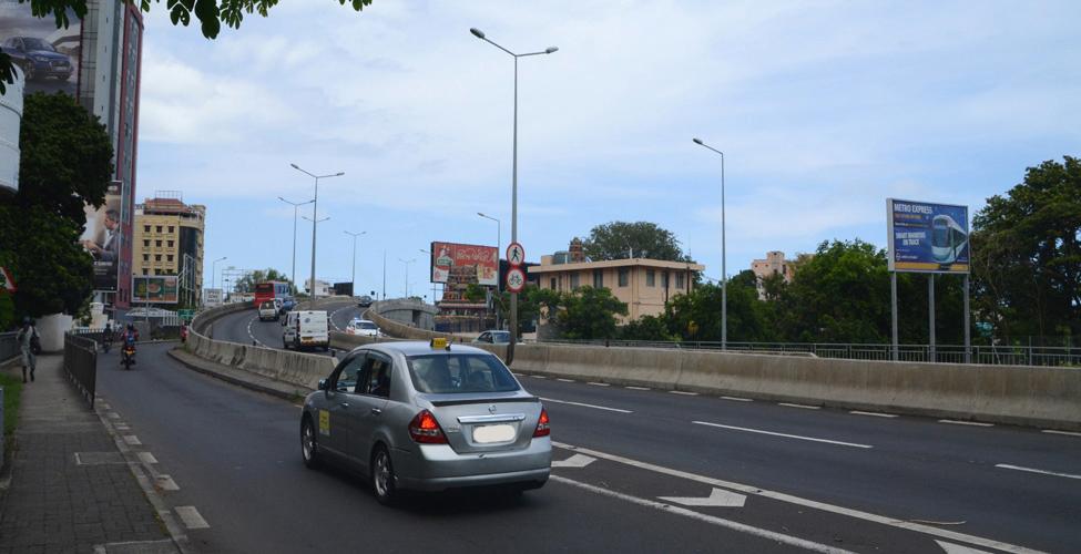 Travaux routiers  sur l'autoroute M1 : des déviations mises en place le mardi 6 février