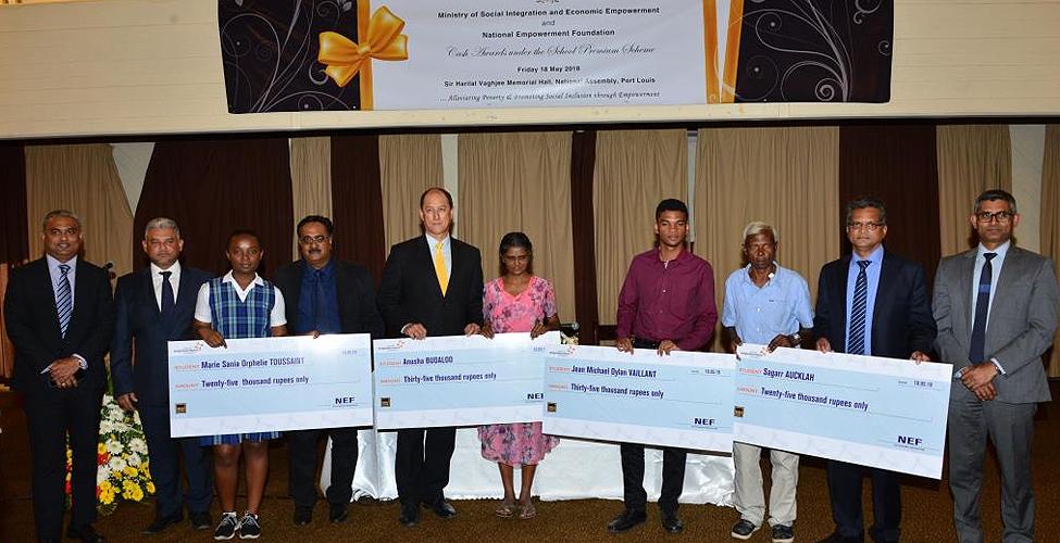 School Premium Scheme: remise de chèques à 173 bénéficiaires