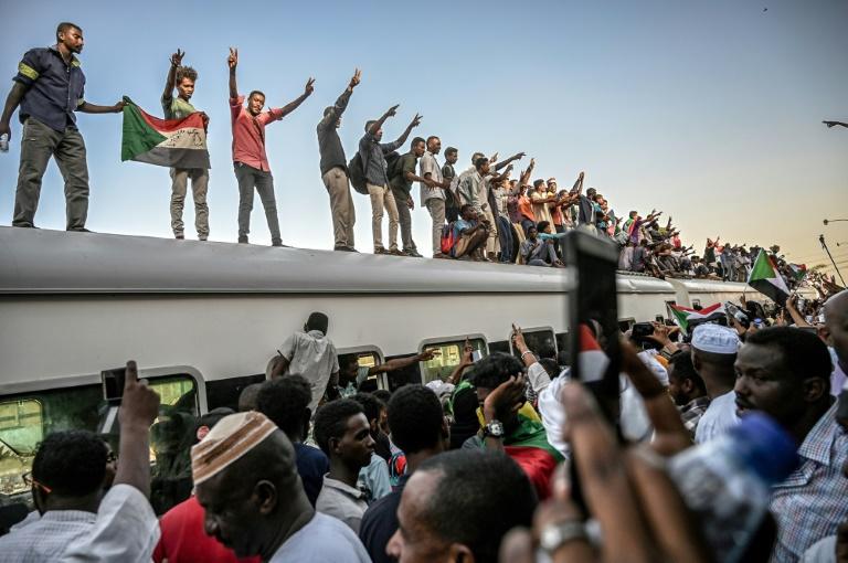 Marche du million prévue à Khartoum pour maintenir la pression sur les militaires