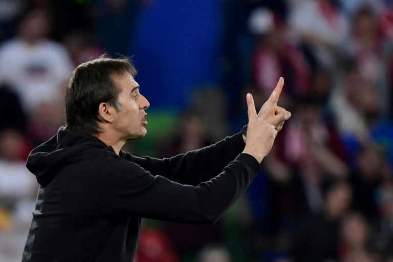 Sevilla boost top four hopes with thumping win over Getafe