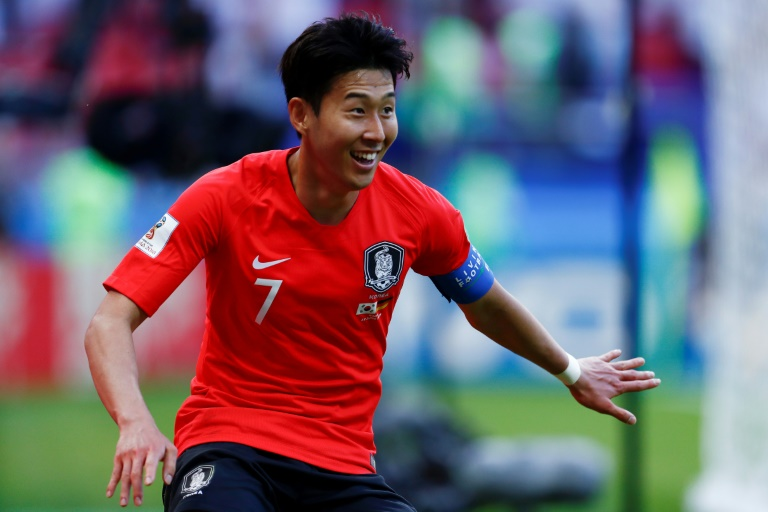 South Korea star Son signs new Spurs deal