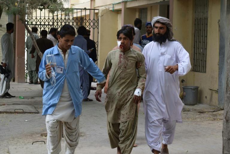 Pakistan: au moins 128 morts dans un attentat suicide contre un meeting électoral
