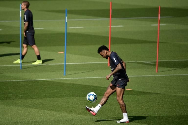 Neymar set to return for Brazil v Colombia - Tite