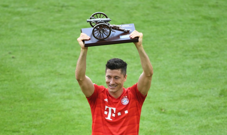 Lewandowski crowned Bundesliga top scorer again