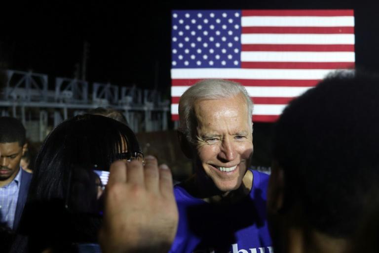 Dominant la course démocrate à la Maison Blanche, Biden en tête d'affiche du premier débat