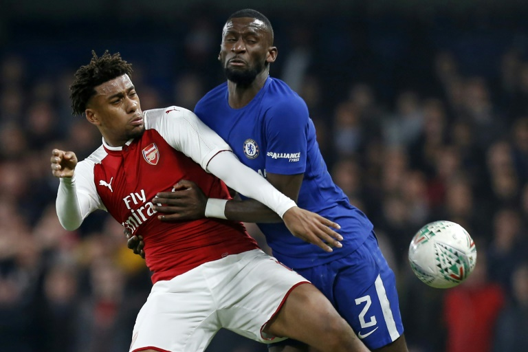 Alex Iwobi signs new long-term Arsenal deal