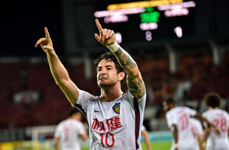 Pato hits stunning free-kick to light up China league