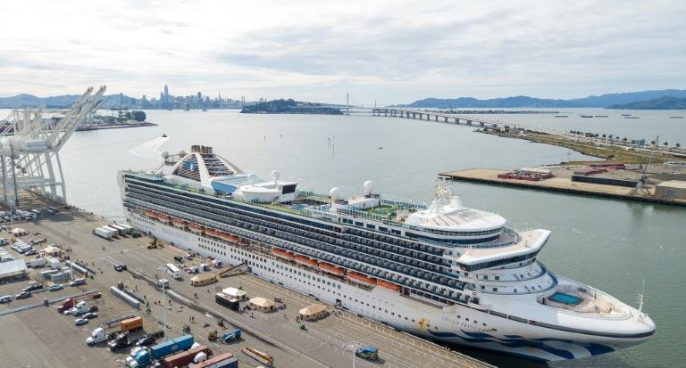 Coronavirus: les premiers passagers du Grand Princess ont débarqué à Oakland