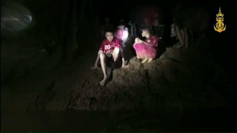 Enfants de la grotte en Thaïlande: se remettre sur pied, une épreuve