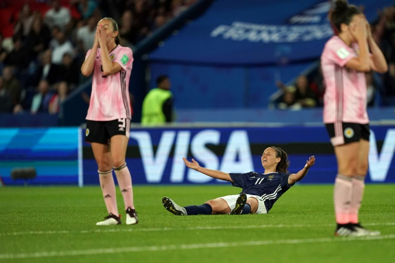 Argentina break Scots hearts but give Cameroon, Chile and NZ hope