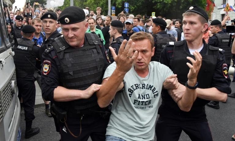Arrestations à Moscou lors d'une marche en soutien au journaliste Golounov