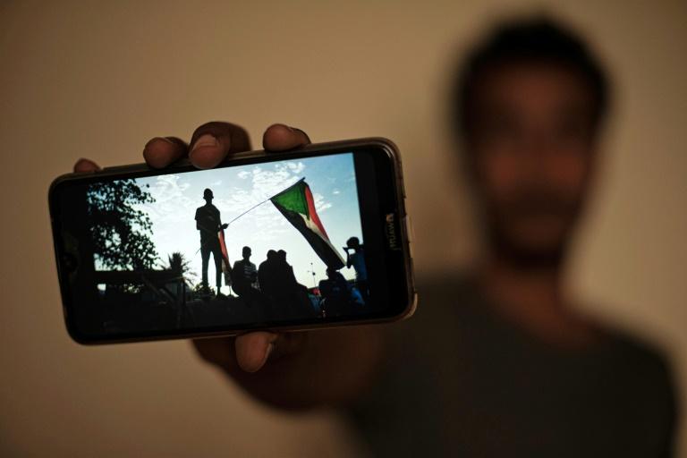 Au Soudan, des manifestants hantés par la répression meurtrière du sit-in