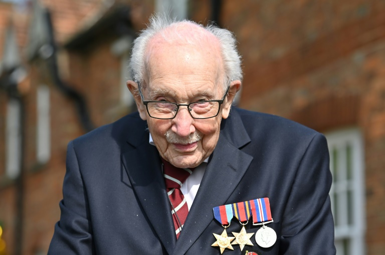 Nouveau héros des Britanniques, Captain Tom fête ses 100 ans