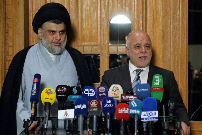 Irak: première session du Parlement, deux blocs pour un seul gouvernement